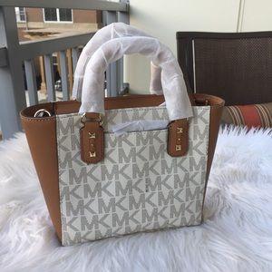 cc7bb86def20 Michael Kors Bags - New Michael Kors Sandrine Stud SM MK Sig/vanilla